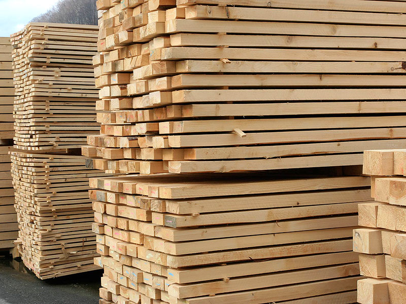 Sawn timber uniplyt llc production of